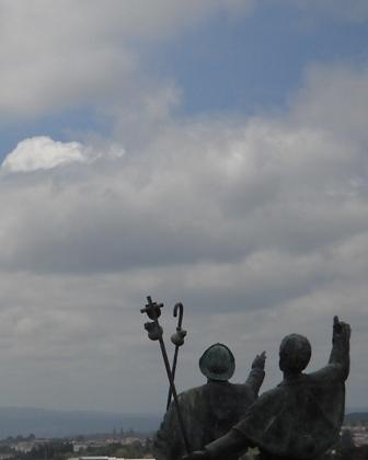 pilgrim statues monte de goza